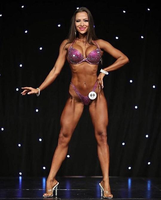 Timea je trojnásobnou světovou šampionkou v bikini fitness a má dvě zlaté medaile z mistrovství Evropy.
