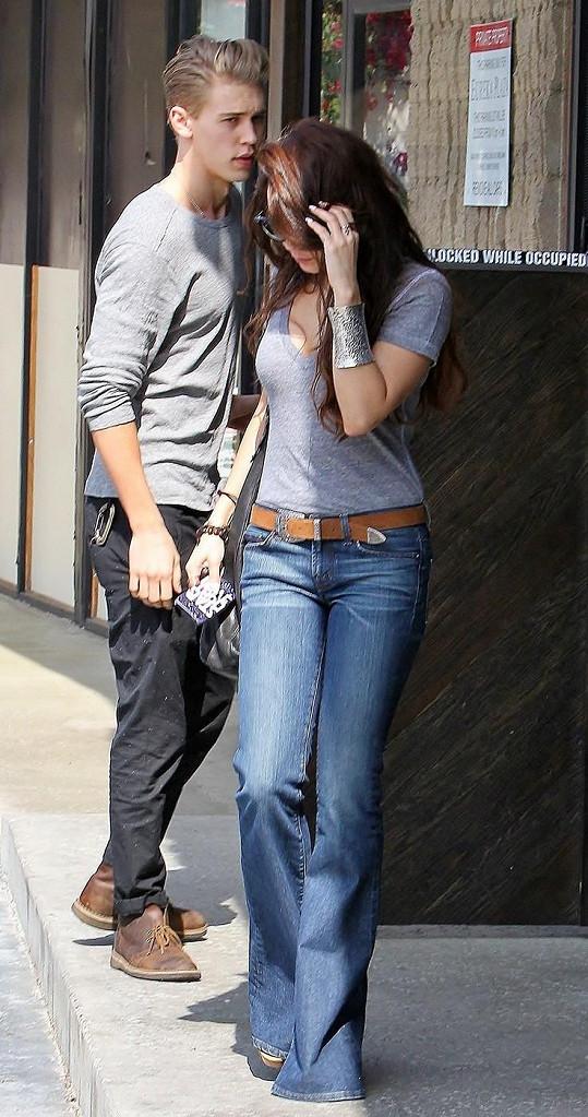 Vanessa zašla na sushi s partnerem Austinem Butlerem.