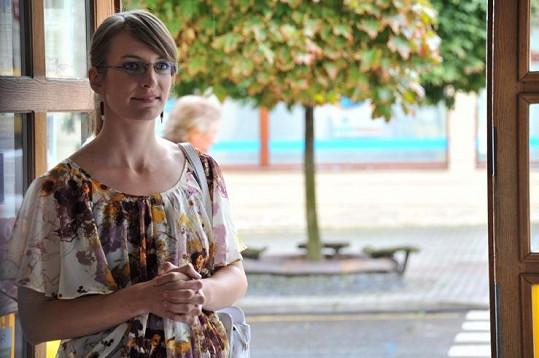 Anna Polívková jako učitelka Dáša.