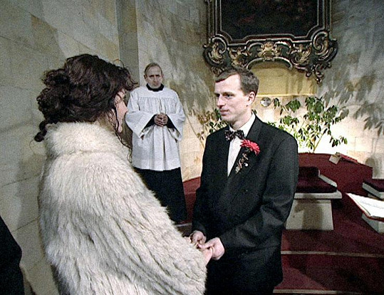 Kamera Heleny Třeštíkové nechyběla ani na svatbě.
