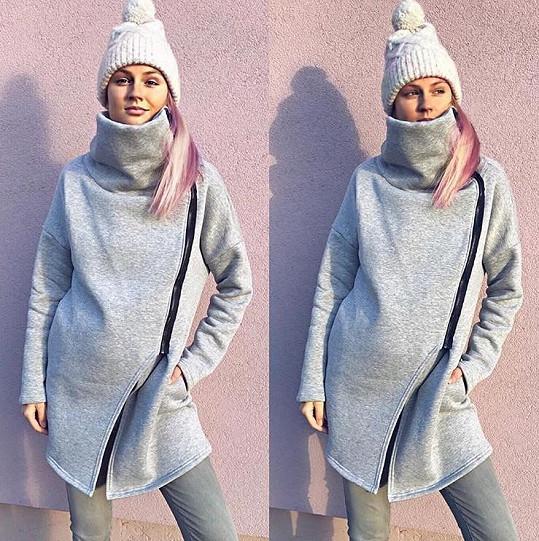 Na Tereze je těhotenství vidět už i v zimním oblečení.