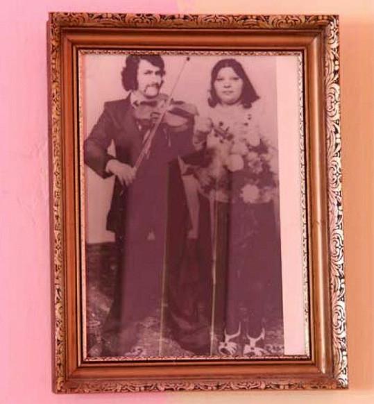 Svatební fotografie Věry Bílé a jejího manžela Františka.