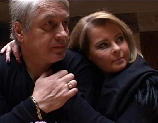 Josef Rychtář a Iveta Bartošová.