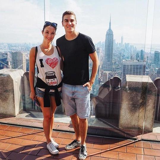 V létě vyrazil se svou snoubenkou Nikolou do Ameriky.