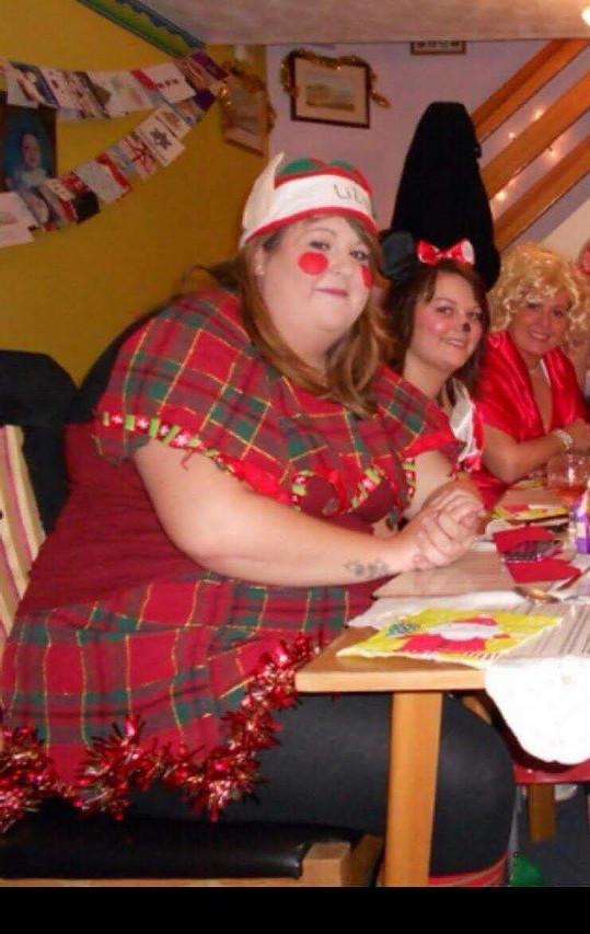 Gemma Romsey vypadala jako tlustý vánoční elf.