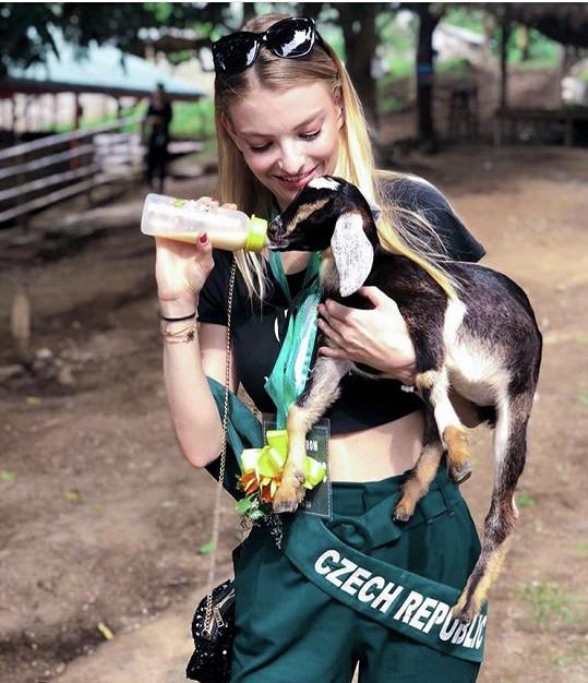 Během tří týdnů navštívila i eko farmu.