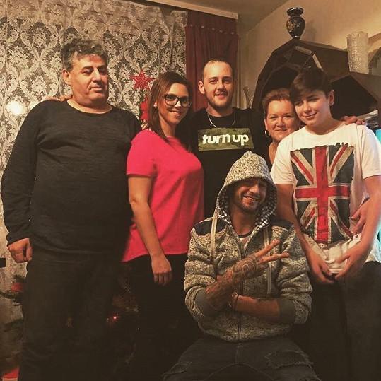 Takto vypadá zpěvákova rodina nyní.
