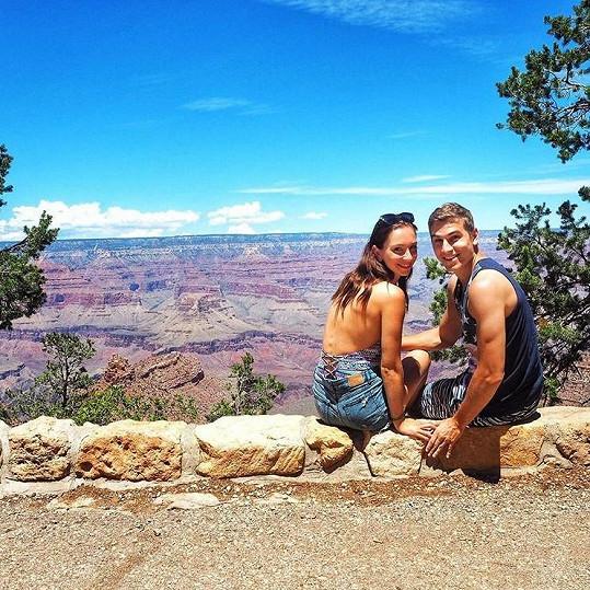 Se snoubenkou Nikol si pořídili snímek také u Grand Canyonu.