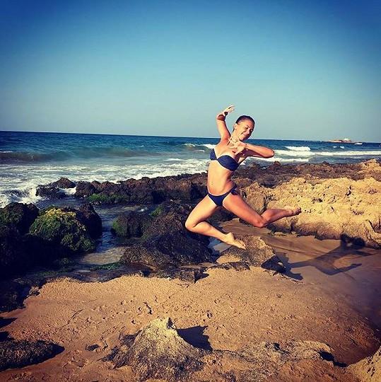 Ivana Korolová na dovolené v Řecku předvedla skvělou figuru.
