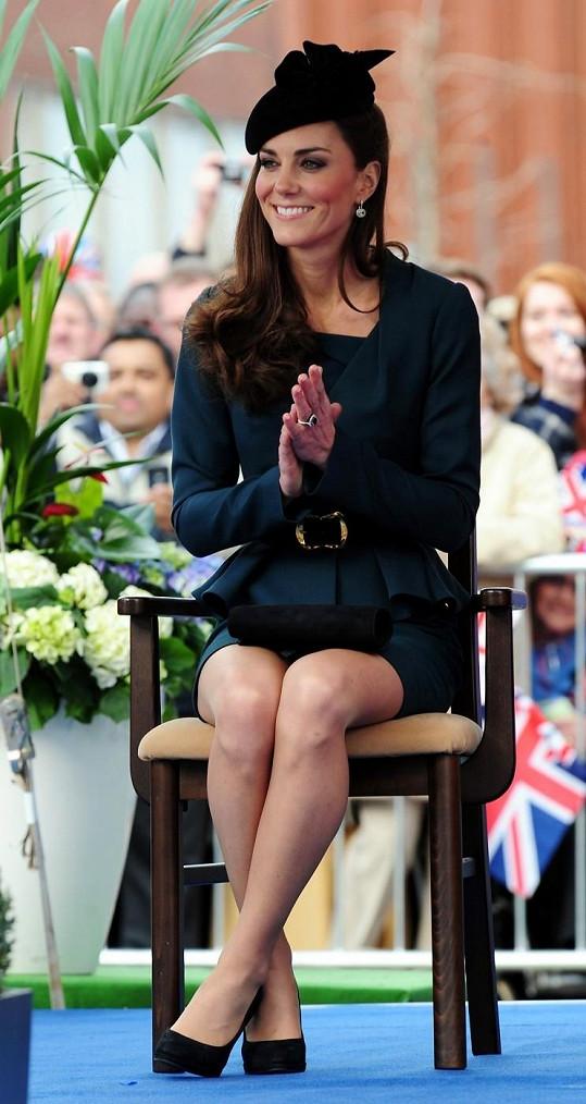 Kate je velice reprezentativní, ale královně Alžbětě II. to nestačí.