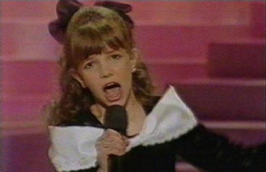 V dětství si připadala jako ošklivé káčátko.