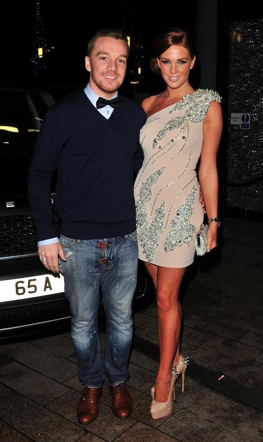 Modelka přičítá své nevydařené manželství s fotbalistou Jamiem O'Harou částečně také svému poprsí.
