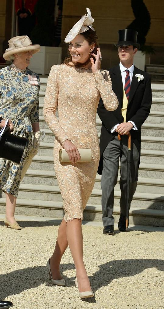 Kate Catherine Kate Catherine - Vévodkyně Kate přesedlala podle ... 2410952c80