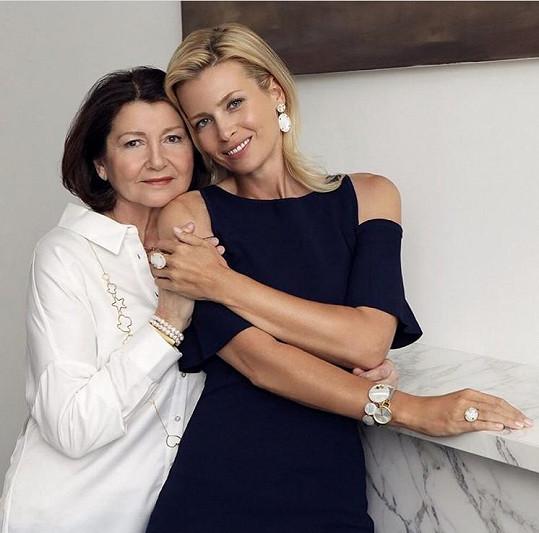 Daniela Peštová se svojí stále krásnou maminkou