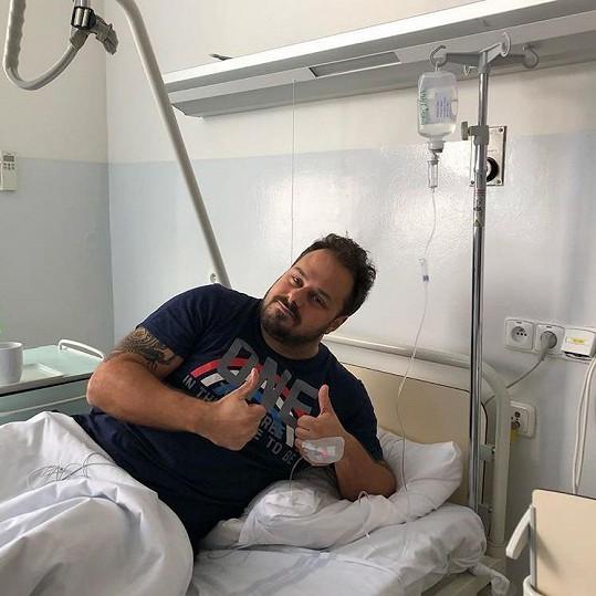 Xindl poslal fanouškům vzkaz z nemocničního lůžka.