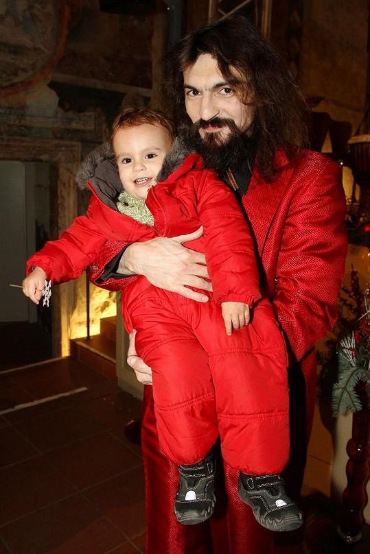 Varhan poprvé vzal i syna Lva.