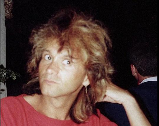 V sedmdesátých letech byl v Americe úpěšným kadeřníkem.