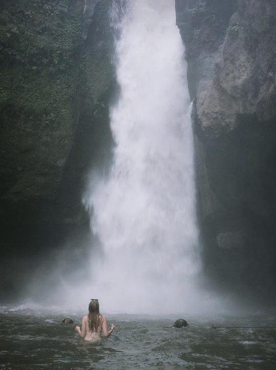 Štěpánka obdivovala vodopády ve vnitrozemí ostrova Bali.