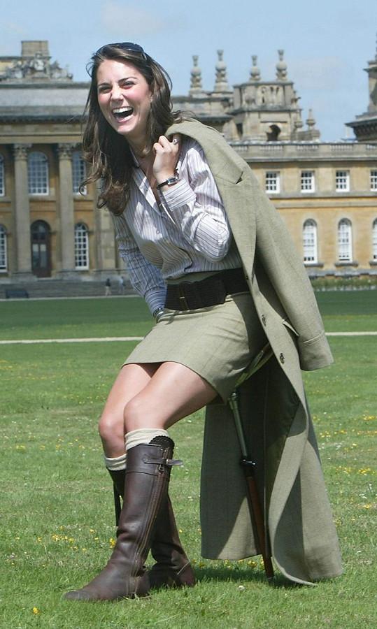 Kate má boty minimálně od roku 2004, kdy byl pořízený tento snímek.