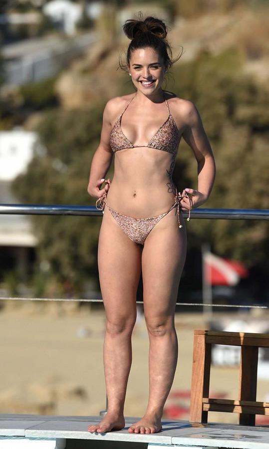 Olympia Valance hraje v australském seriálu Sousedé.