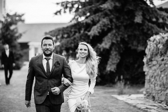 Moderátorovi krimi Michalu Janotkovi se rozpadlo manželství rok po svatbě. Nyní je ale znovu šťastný a našel lásku u své kolegyně.