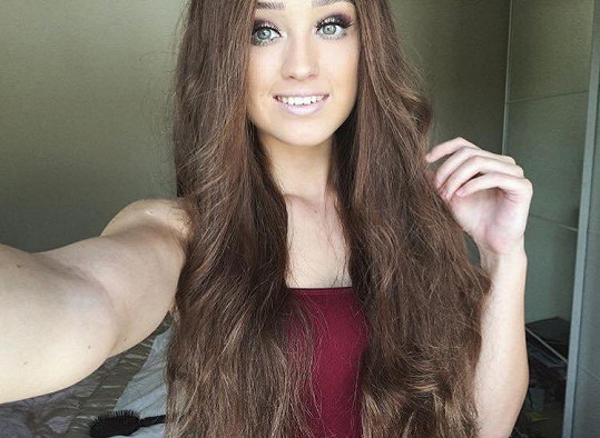 Lauren Neate (20) z jižního Walesu se nenechala pokořit a nad nemocí vyhrála.