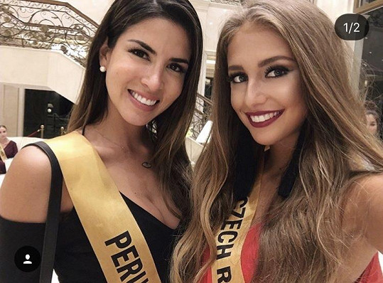 Nikola s vítězkou, Miss Peru.