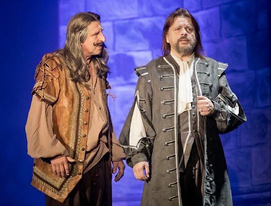 Herec už se velmi těší na divadelní prkna.