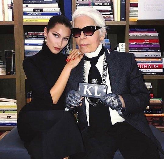 S návrhářem Lagerfeldem si byli velmi blízcí.