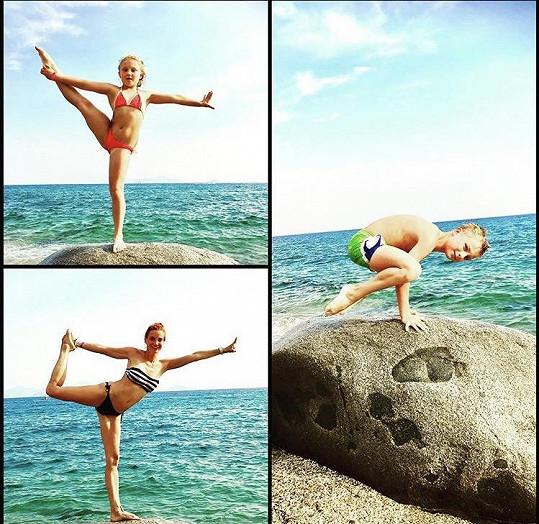 S dětmi i na dovolené pravidelně cvičí.