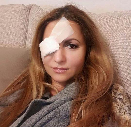 Yvetta Blanarovičová si poranila oko a musela se nechal ošetřit v nemocnici.