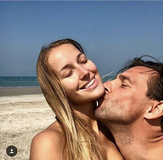 Petra odjela s partnerem Romanem Vojtkem nedávno dvakrát do Emirátů.