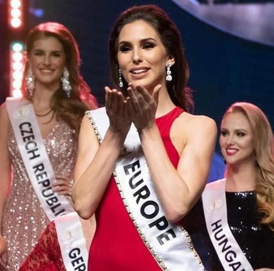Na světové soutěži Miss Intercontinental se letos stala nejkrásnější Evropankou.