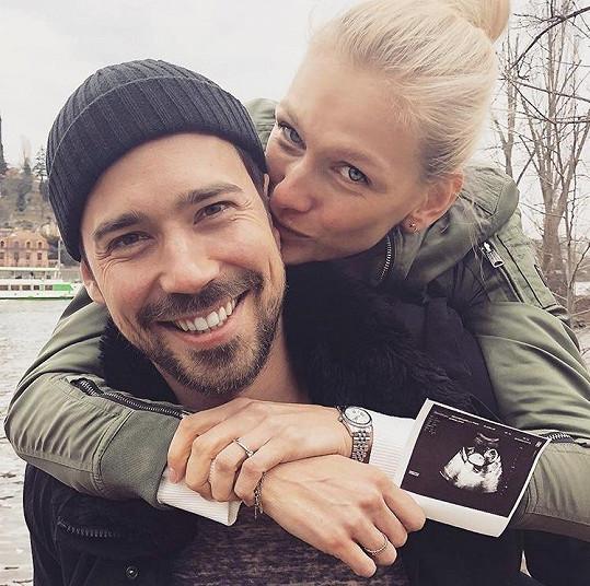 S partnerem Matyášem se těší na miminko.