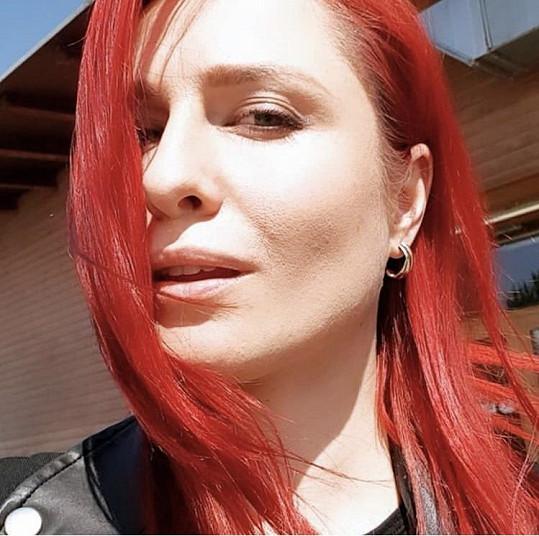 Pavelková a její červené vlasy
