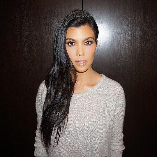 Některá obvinění se týkají i nejstraší sestry z klanu Kourtney Kardashian.