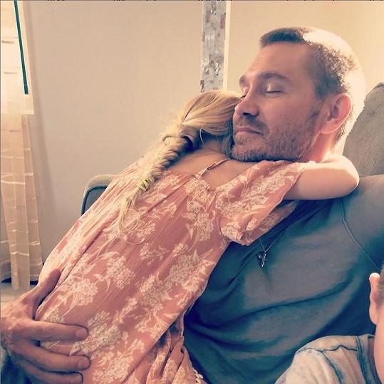 Chad Michael Murray s dcerou, role otce mu sluší snad nejvíc.