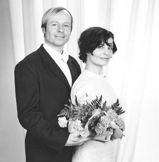 Takhle nějak by mohli Karel s Janou vypadat jako ženich a nevěsta.