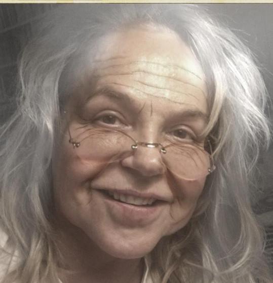 Dagmar Havlová pobavila fotkou, na které si přidala pár let.