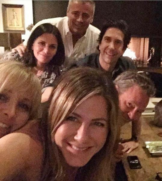 Tímto snímkem v říjnu loňského roku Jennifer Aniston strhla Instagram.