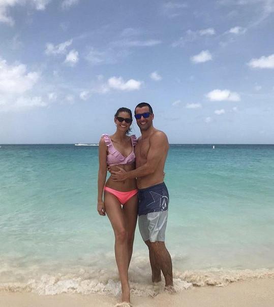 Lucie s přítelem Gabrielem na dovolené