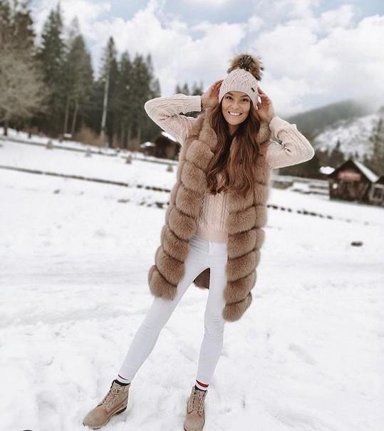 Nikol si dává záležet i na zimních outfitech.