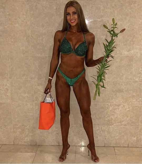 Nyní soutěží v bikini fitness.