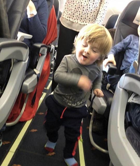 Chlapeček je poněkud akčnější.