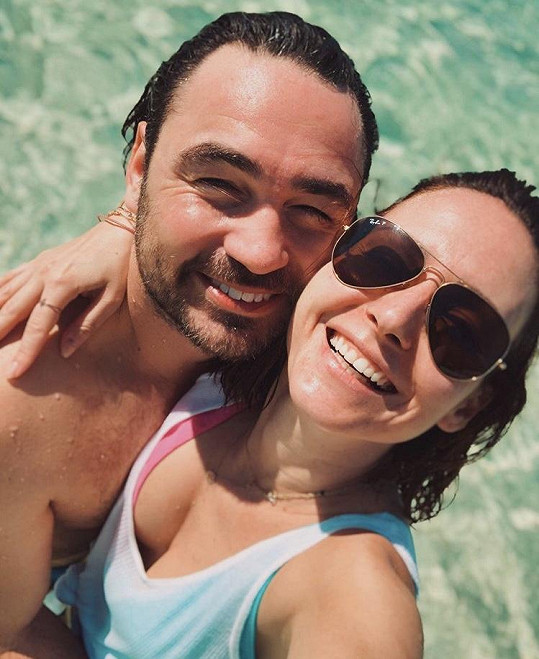 Veronika s manželem Biserem Arichtevem, jenž je autorem devíti Veroničiných (dle jejího mínění) nejhorších fotek.