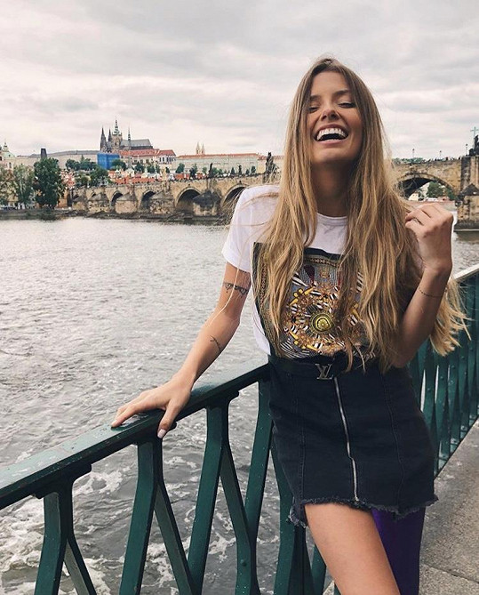 Z Prahy je nadšená.