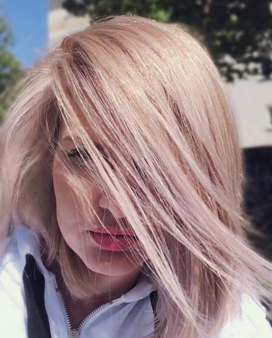 Nikol Štíbrová na jaro také změnila barvu vlasů