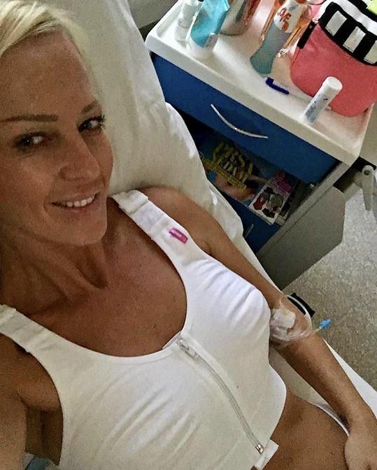 Zuzana Belohorcová musela na korekci jizev po operaci prsou.