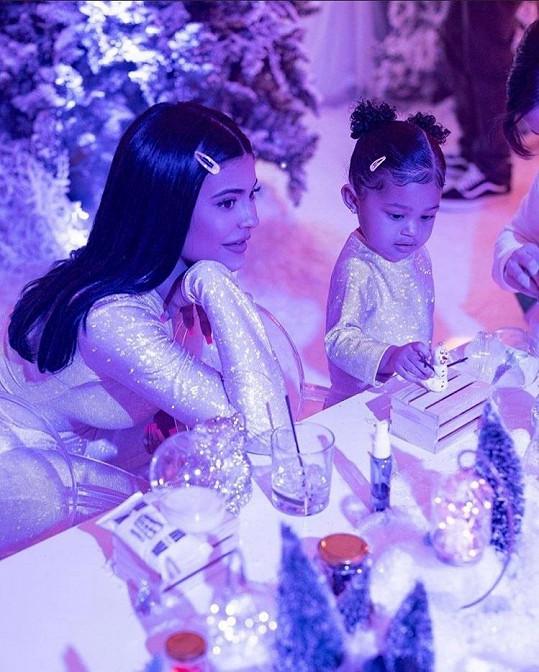 Kylie Jenner vystrojila dceři Stormi oslavu narozenin, jakou svět neviděl.