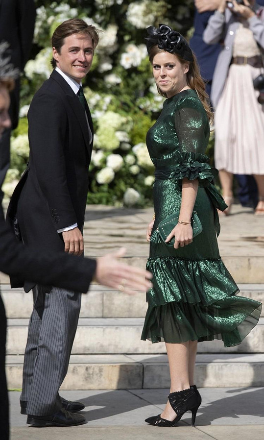 Princezna Beatrice se zasnoubila s podnikatelem v oblasti realit Edoardem Mapellim Mozzim.